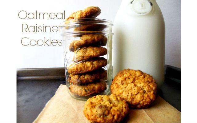 Oatmeal Raisinet Cookies {Life With the Crust Cut Off}