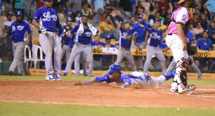 Licey se sacude y derrota a Las Aguilas en Santiago