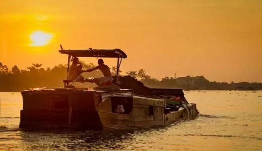 Mekong Mornings: Photography Along the River in Vietnam