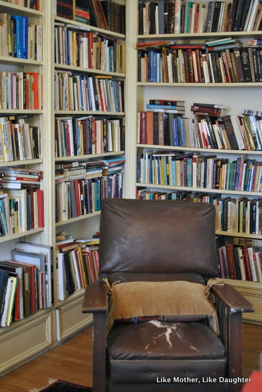 {pretty, happy, funny, real} bookshelves edition-008