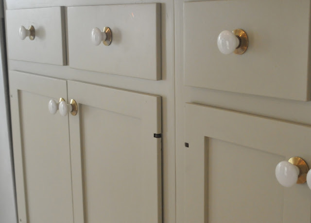 Choosing Cabinet Paint Colors - Gray or Creamy White?
