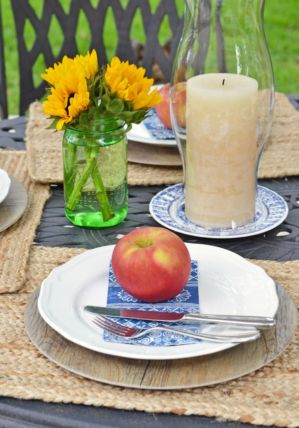 late summer outdoor tablescape