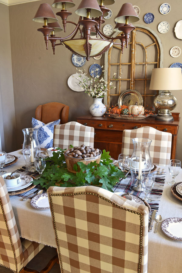 Creating a Fall Tablescape Without Breaking the Bank