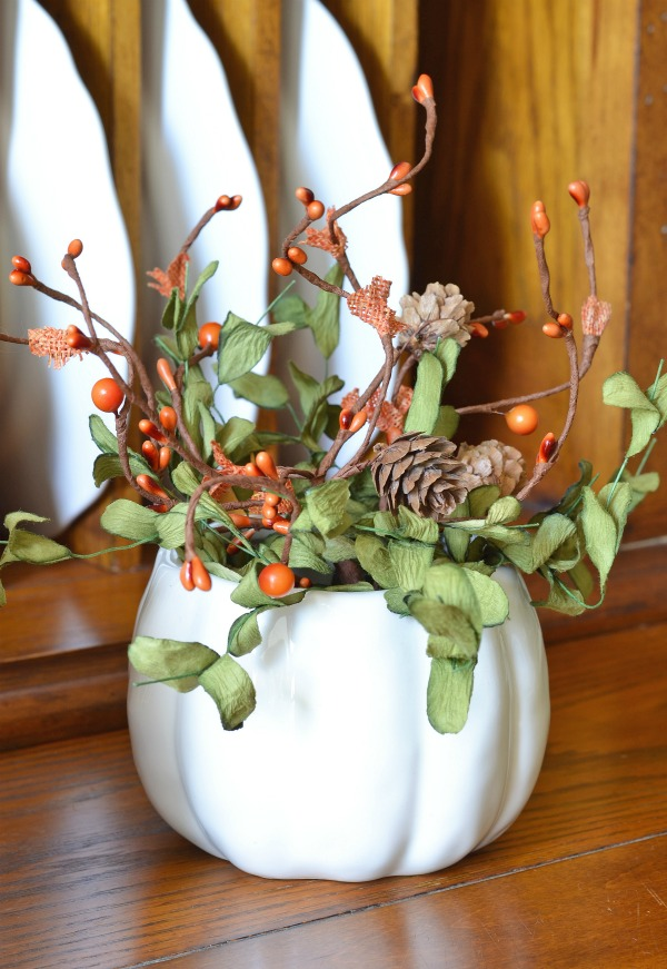 pumpkin-vase-with-fall-foliage