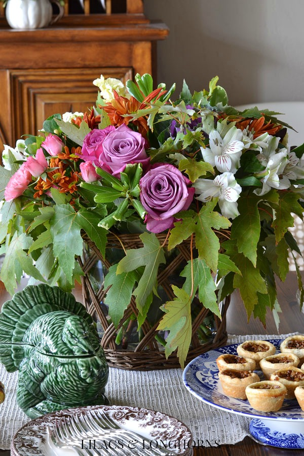 thanksgiving-floral-arrangement_wm