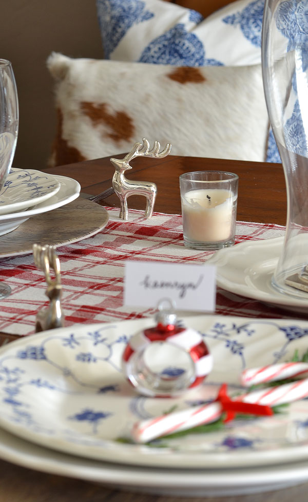 silver-reindeer-place-card-holder