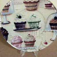 Make Your Own Fancy Schmancy Glass Plates With Modge Podge