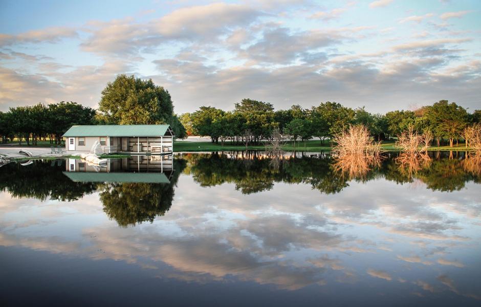 Boat House Kansas Lodge