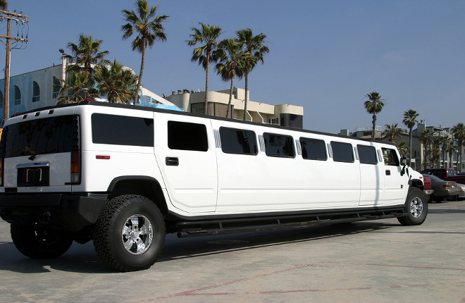 Orange County Hummer Limousine (White and Black Hummer Limos)