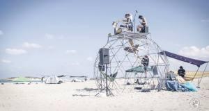 """Una delle tante incredibili foto di Amir, """"connettore"""" di festival in giro per il mondo"""