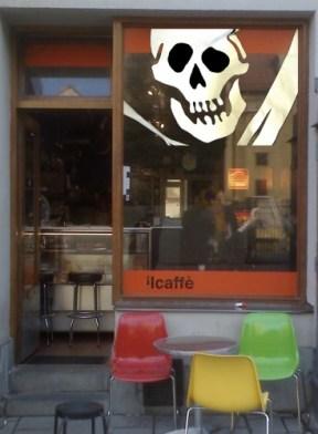 Il Caffè under piratflagg