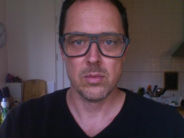 Nikke Lindqvist grim