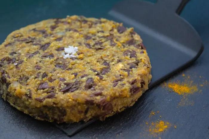 Burger vegan haricots Azuki, curcuma, millet