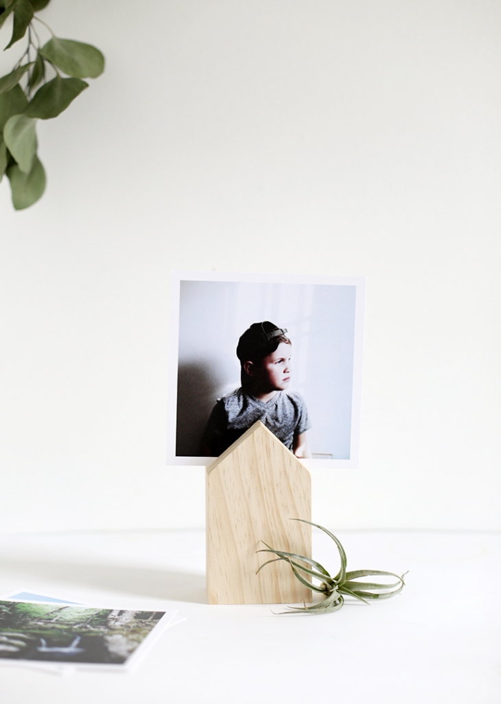 wooden house shaped photo display gift