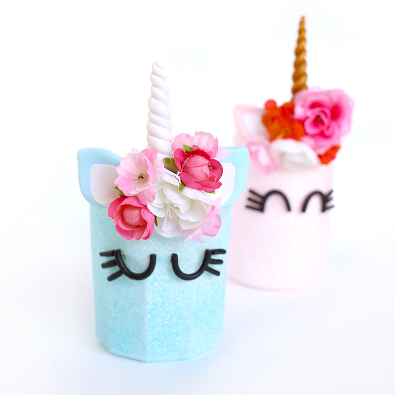 DIY Unicorn Mason Jars! Cute and easy kids craft idea! #diy #kidscraft #unicorndiy #unicorn #unicorntheme #unicorncraft