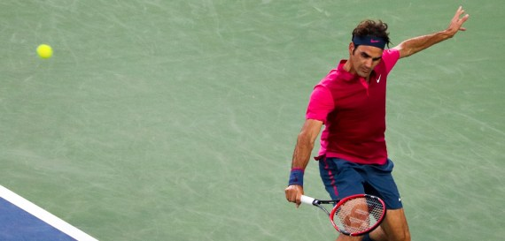 Roger Federer hitting a backhand slice