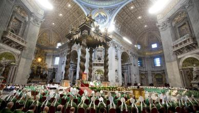 A general view of Saint Peter's Basilica as Pope Francis leads the opening Mass of The Extraordinary Synod of the family, Vatican City, 05 October 2014.  ANSA/CLAUDIO PERI