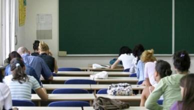 studenti classe scuola (1)