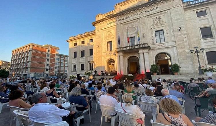Piazza Gramsci 1