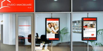 ¿Deben las inmobiliarias reemplazar los carteles por monitores?