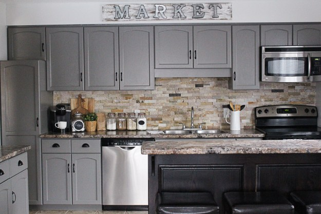 How To Paint Kitchen Cabinets_-5