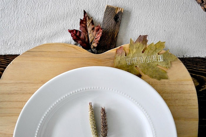 Pumpkin Plate Chargers. Leaf Name Tag