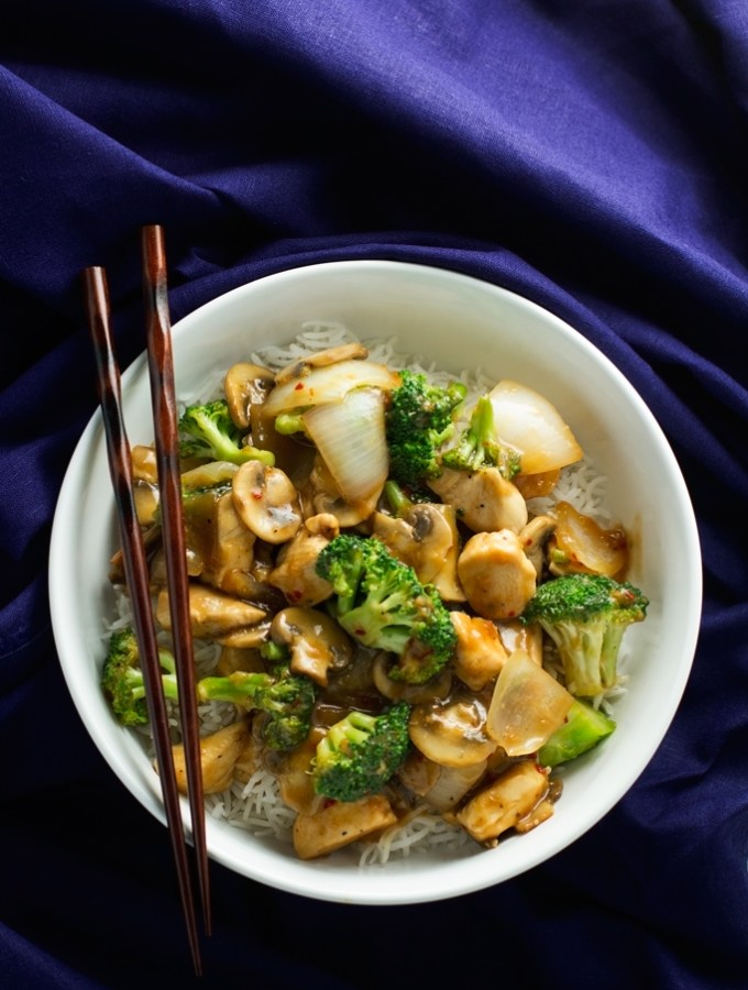 Ginger-Chicken-Stir-Fry-with-Broccoli-5