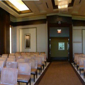 Panoramic view of Mandalay Bay's wedding chapel Photo: Little Vegas Wedding