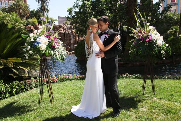 Mirage Daytime Volcano Wedding   Little Vegas Wedding