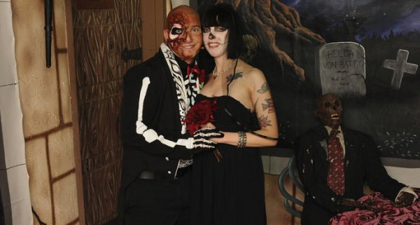Las Vegas Halloween themed weddings | Little Vegas Wedding
