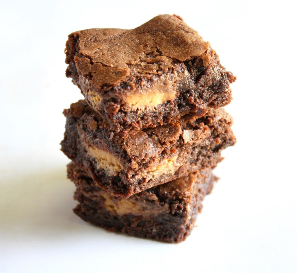 These fudgy peanut butter cup brownies are extremely decadent and ...