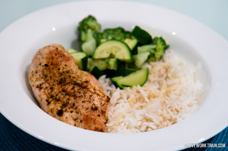Chicken with white rice and greens