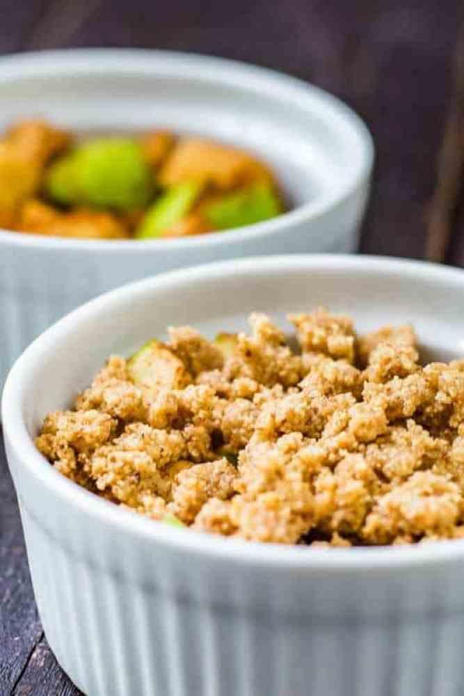 Cinnamon-Apple-Almond-Crumble