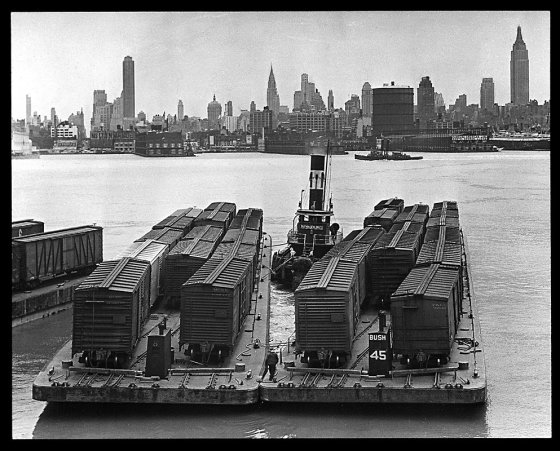 Railroad car floats in New York Harbor. Photo: New York State Archives
