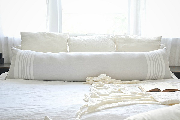 DIY Extra Long Lumbar Pillow - Made from a table runner! So easy to make & cost less than $20 to make!