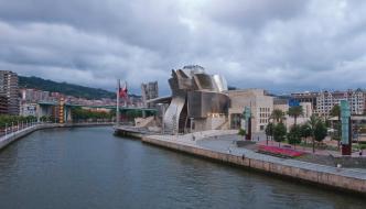 Por la ría de Bilbao