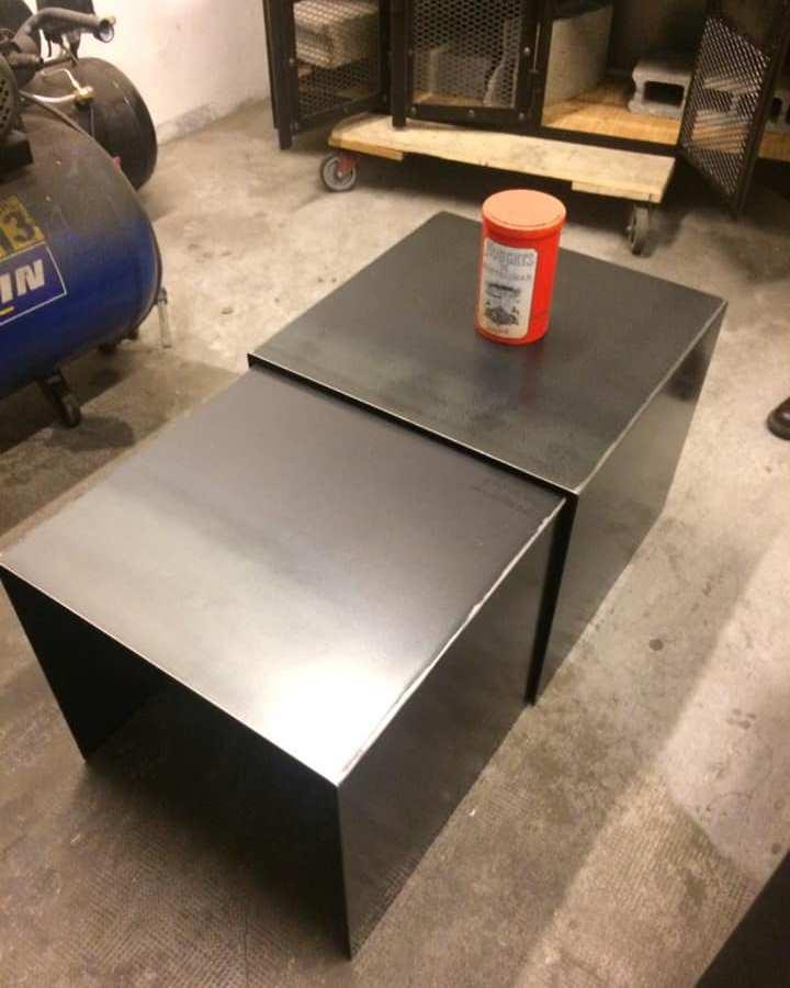 Table gigogne acier