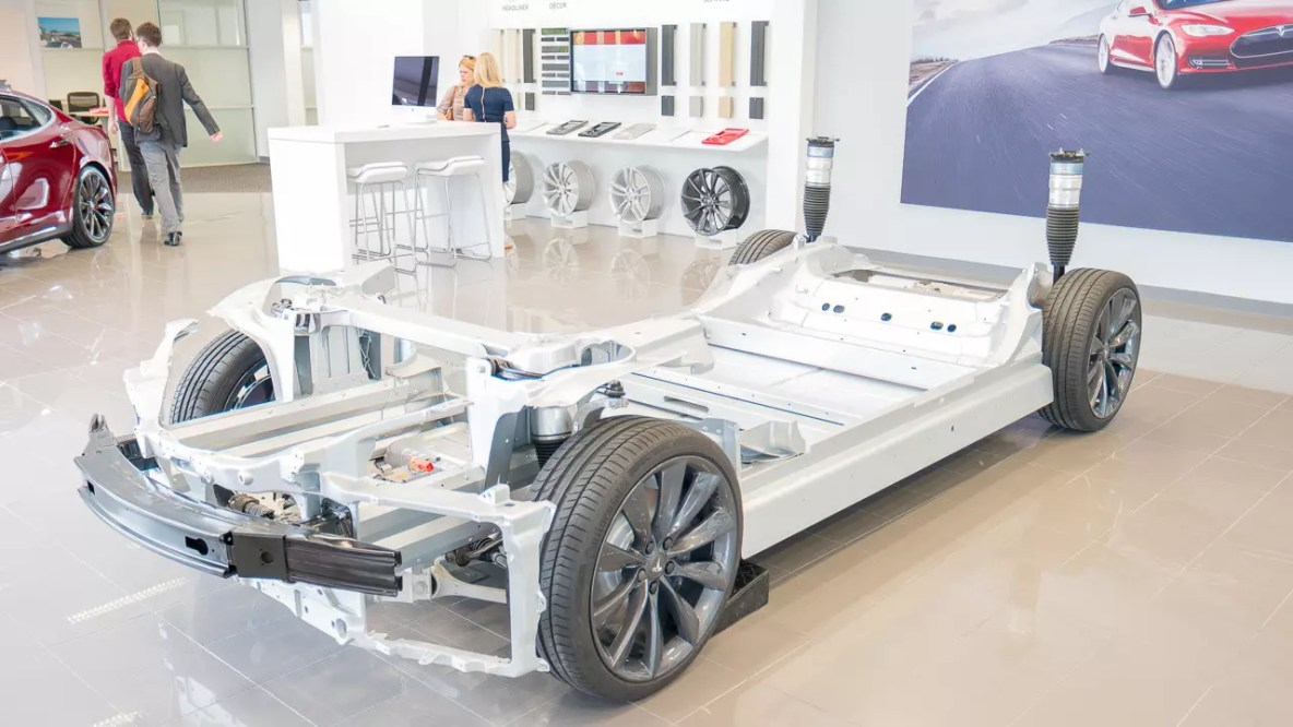 Tesla chassis, including motor and power plant: The reduction in the number of parts for the electric car dramatically increases the profitability