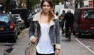 How to Make Bomber Jacket Look Stylish in This Fall