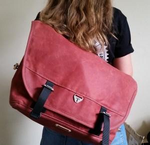 Woman wearing messenger bag