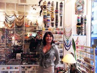 Vente bijoux fantaisie Boutique Paris - Création de bijoux fantaisie sur mesure - Réparation de bijoux et bijoux fantaisie