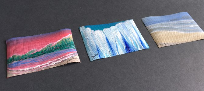 Decorate your desk with mini Art.