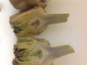 alcachofas partidas por la mitad
