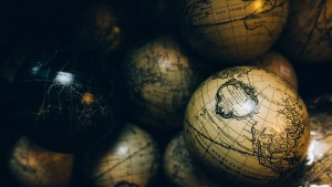 globes-1246245_960_720