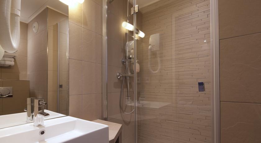 hotel-tourisme-avenue-13671539