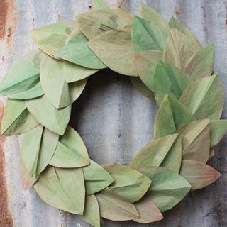 DIY faux magnolia leaf wreath! So easy and you wonthellip