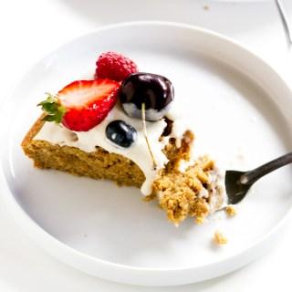vegan coconut tahini vanilla cake (made with spelt flour!) | love me, feed me