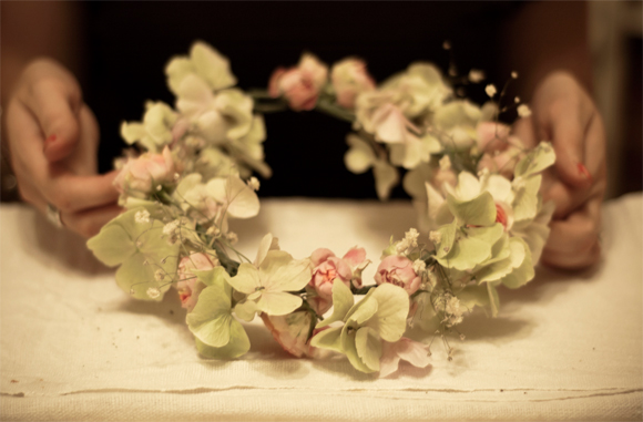How To Create Your Own Flower Garland Headpiece – A DIY Tutorial…