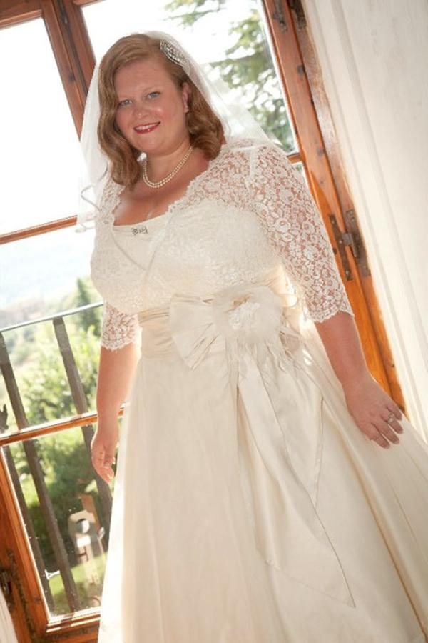 Wedding Dresses For Petite Curvy Brides : Body image and confidence love my dress? uk wedding