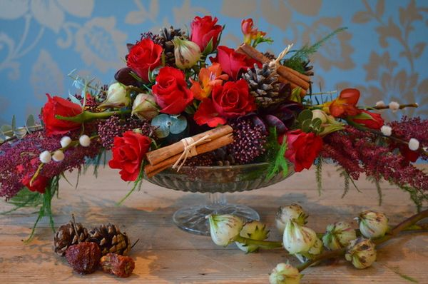 How To Create Your Own Christmas Table Centrepiece, by Campbells Flowers